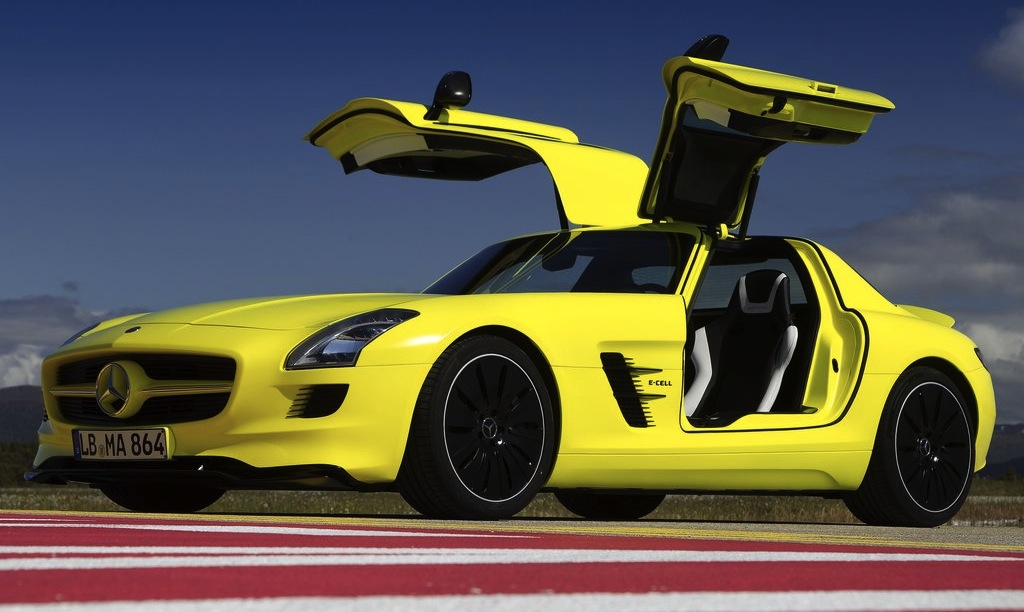 Mercedes-Benz SLS AMG E-Cell Main