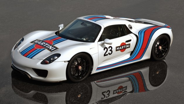 Porsche 918 Spyder gets Martini livery, aiming for less than 7:22 around Nurburgring