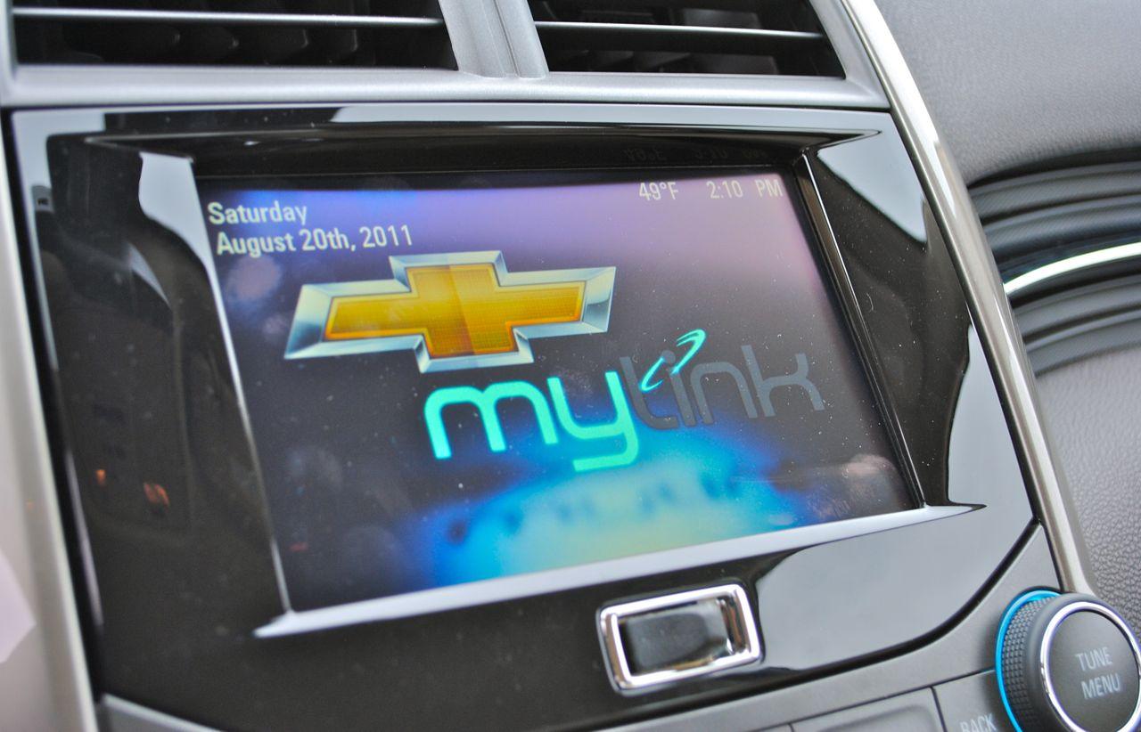 review 2013 chevrolet malibu eco mylink system egmcartech. Black Bedroom Furniture Sets. Home Design Ideas