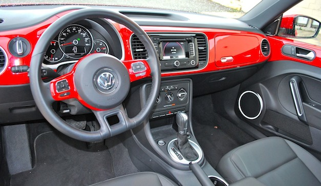 Review: 2012 Volkswagen Beetle 2.5L - Interior