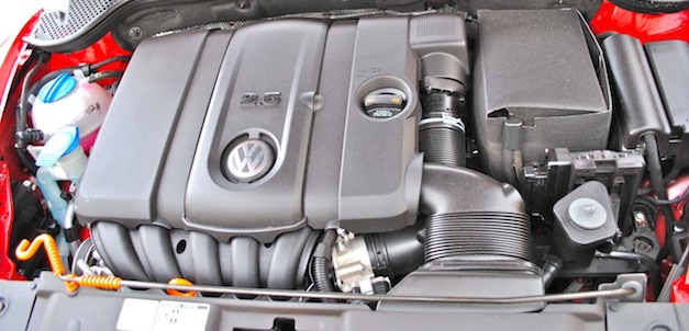 Review: 2012 Volkswagen Beetle 2.5L - Performance