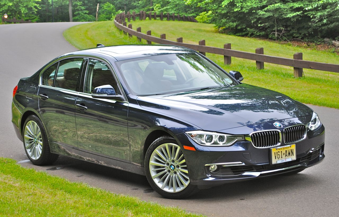 review 2013 bmw 3 series front 7 8 view egmcartech. Black Bedroom Furniture Sets. Home Design Ideas