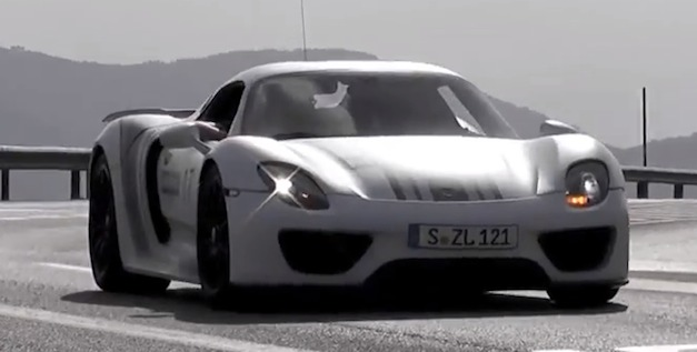 porsche918spyderdriving Video: Porsche 918 Spyder in Martini livery driving around town