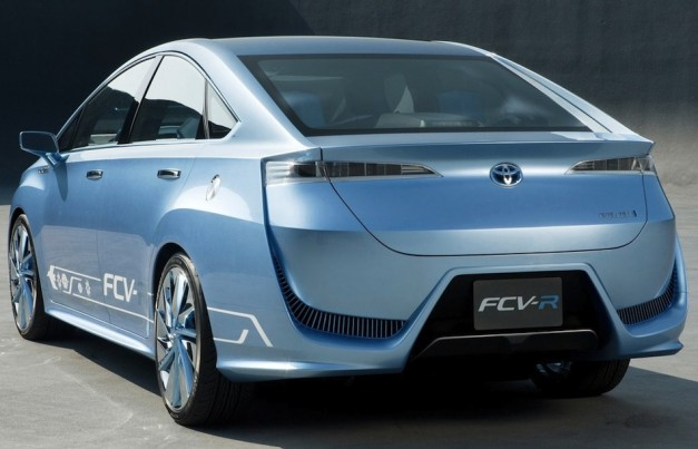 Report: Production Toyota FCV-R fuel-cell sedan coming in 2015