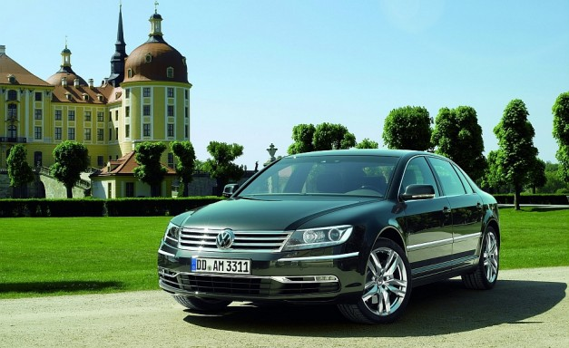 2011 Volkswagen Phaeton Courtyard Shot 627x384 Report: Volkswagen shares details on future lineup, new Phaeton and mid size crossover on the way