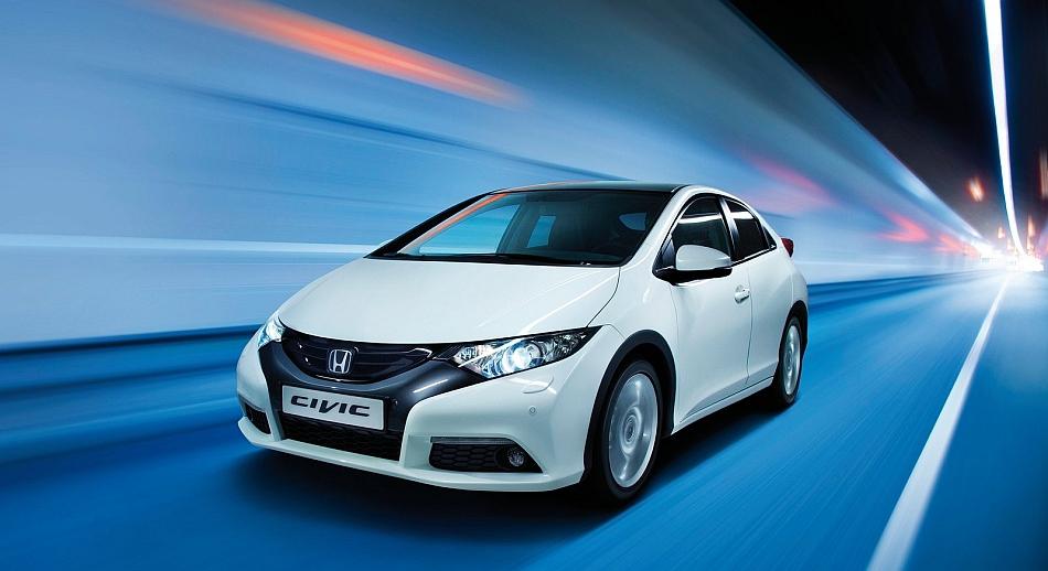 2012 Honda Civic Euro Version Front 3-4 Left Tunnel Cruising