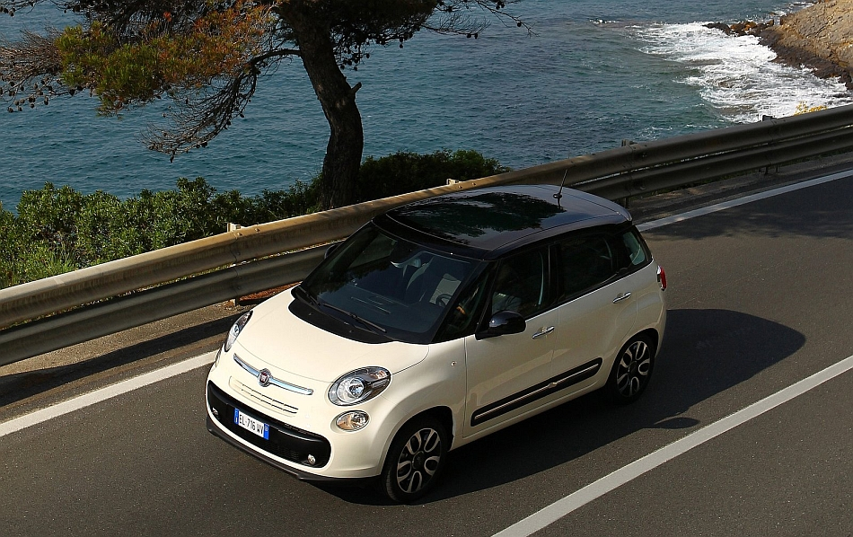 2013 Fiat 500L Coastal Backdrop High Angle