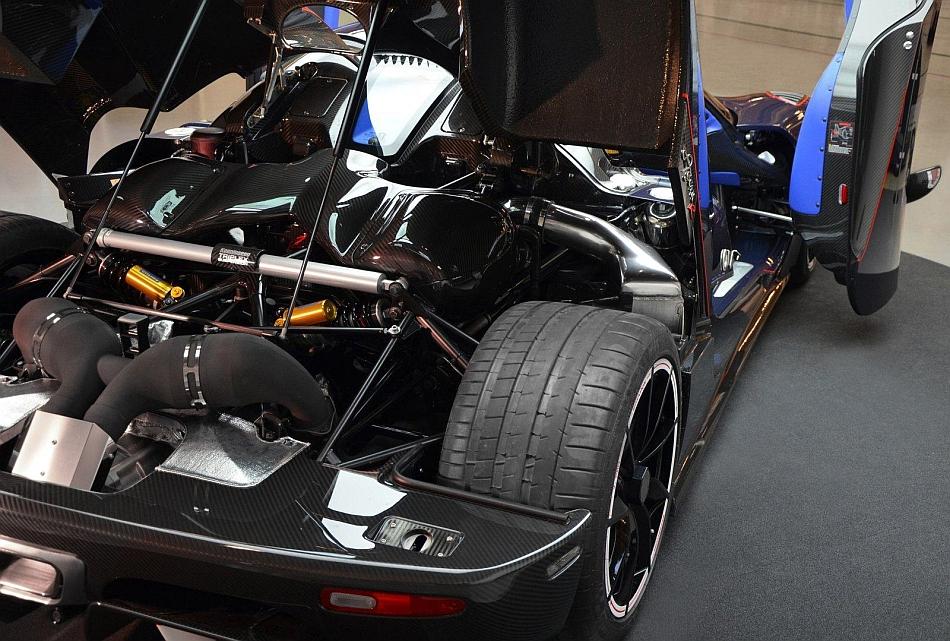 2013 Koenigsegg Agera R BLT Engine Close Up  egmCarTech