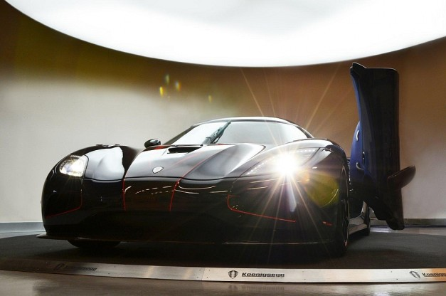 2013 Koenigsegg Agera R BLT Engine On Display Lights On