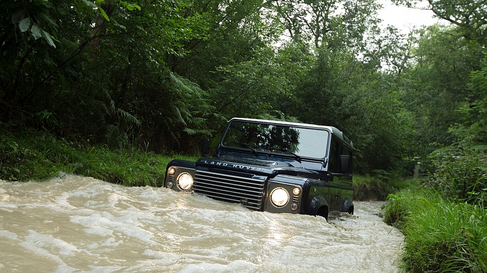 2013 Land Rover Defender 90 Deep Water