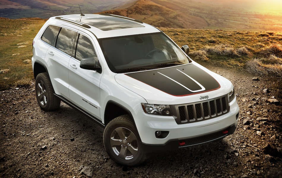 2013 Jeep Grand Cherokee Trailhawk Front 3/4 Top View