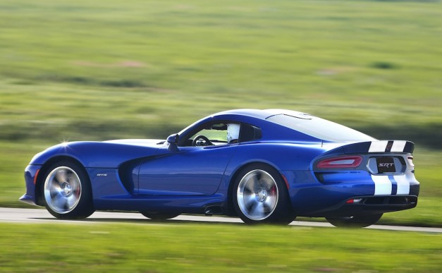 2013 SRT Viper GTS Launch Edition Side Action View