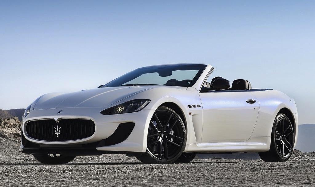 2013 Maserati GranCabrio MC Front 7/8 View
