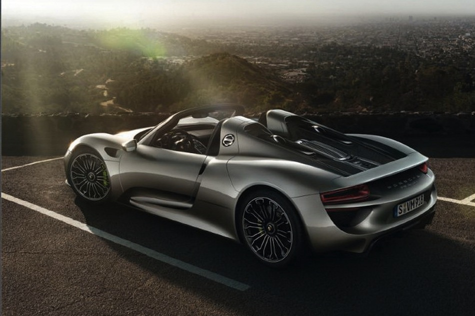 leaked porsche 918 spyder brochure rear 7 8 egmcartech. Black Bedroom Furniture Sets. Home Design Ideas