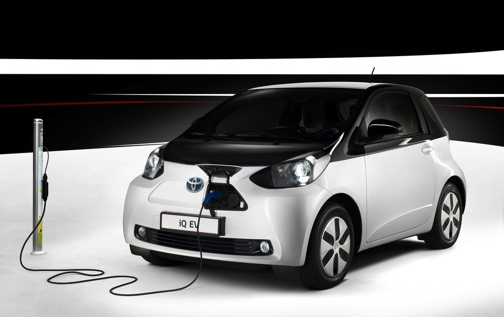 Toyota iQ EV Front 3/4 Plugged In