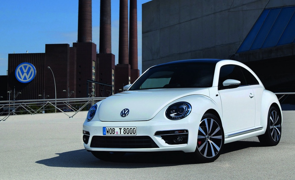 Volkswagen Beetle R-Line Front 7/8 View