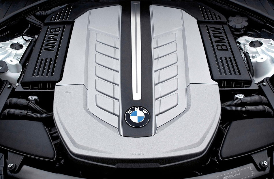 2011 BMW 760Li V12