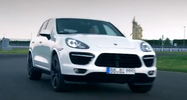 porschecayenneturbosvideo Video: 2013 Porsche Cayenne Turbo S in Action