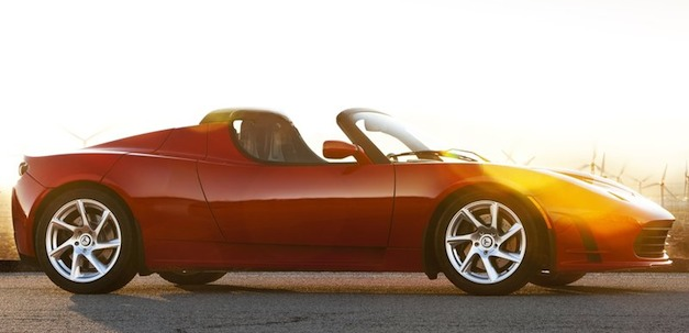 "Report: Next-gen Tesla Roadster will be ""faster and bigger,"" should arrive by 2019"