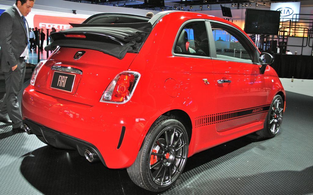 2012 la 2013 fiat 500c abarth cabrio rear angle view egmcartech. Black Bedroom Furniture Sets. Home Design Ideas