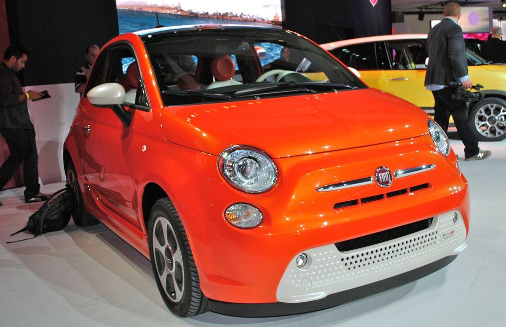 2012 LA: 2013 Fiat 500e Gear Main