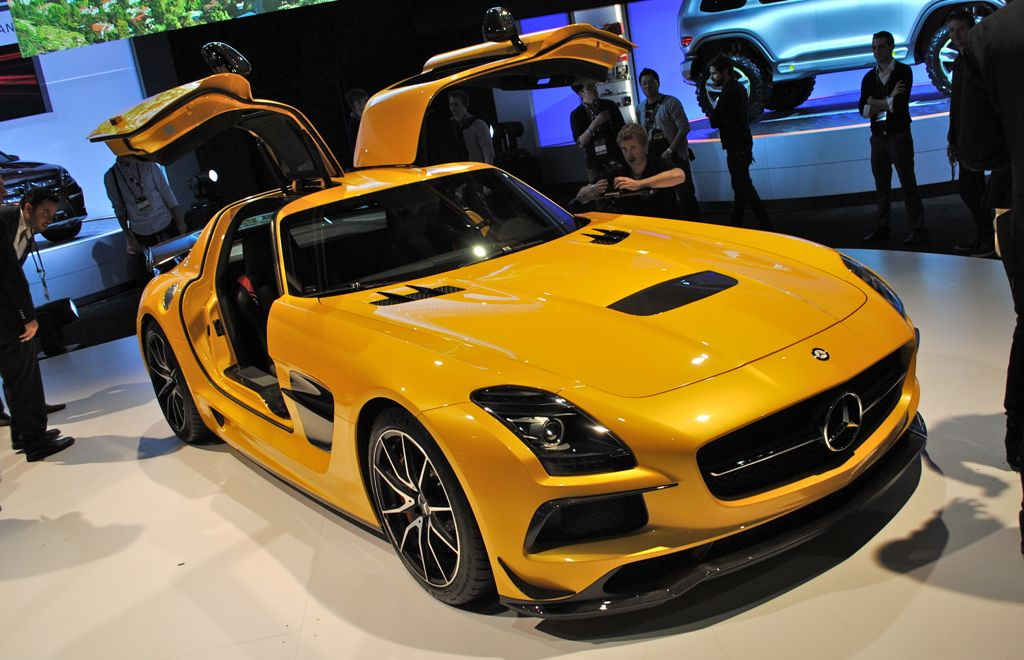 2012 LA: 2014 Mercedes-Benz SLS AMG Black Series Front Top View