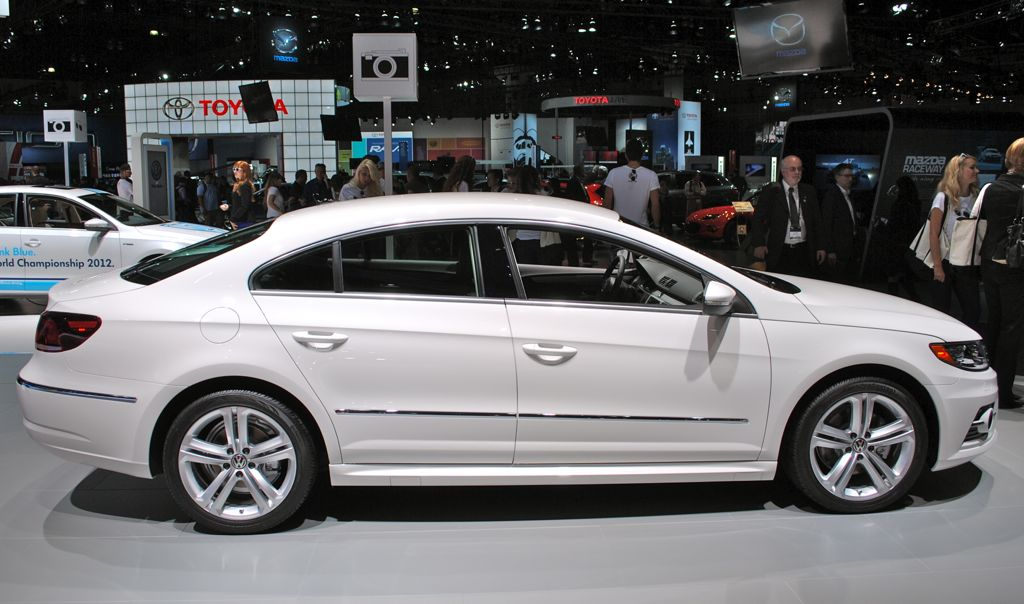 2012 la 2013 volkswagen cc r line side view egmcartech. Black Bedroom Furniture Sets. Home Design Ideas
