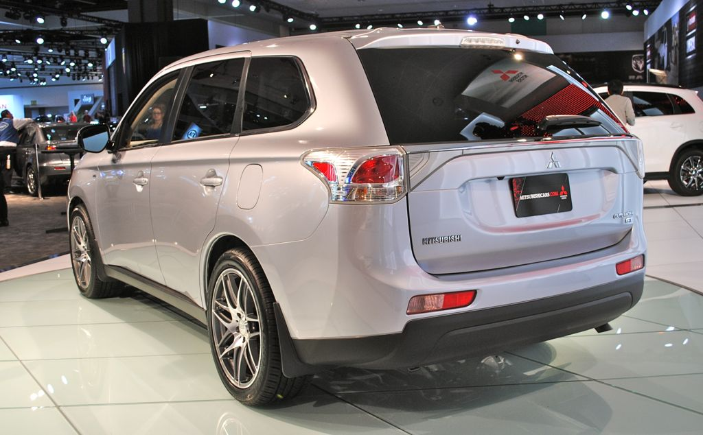 Strada Mitsubishi Reviews 2014 | Car Review, Specs, Price and Release