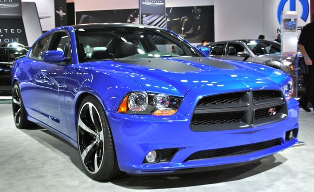 2012 LA: 2013 Dodge Charger Daytona shines in bright blue