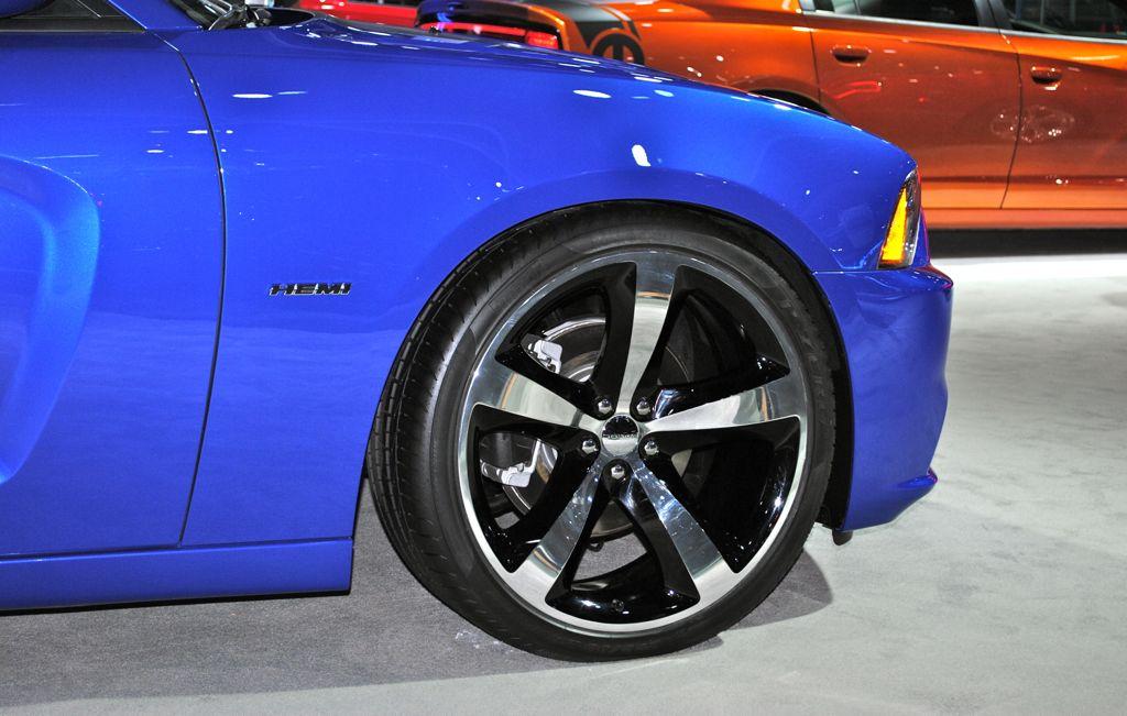 2012 la 2013 dodge charger daytona front profile - 2013 Dodge Charger Daytona