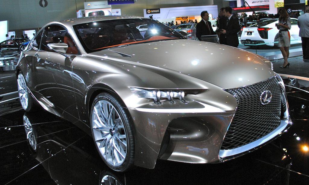 2012 LA: Lexus LF-CC Concept Front 3/4 Top View
