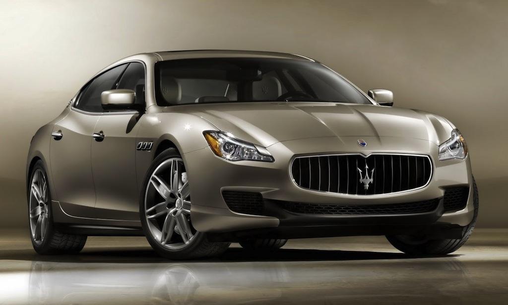 2013 Maserati Quattroporte Front 3/4 View