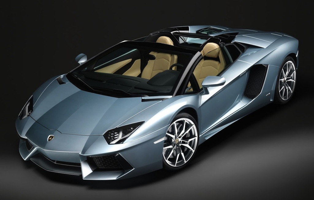 2014 Lamborghini Aventador Roadster Front 3/4 Top Down View