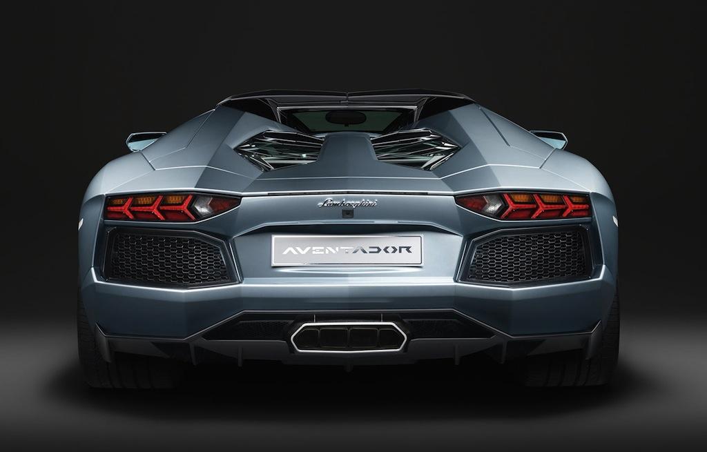2014 Lamborghini Aventador Roadster Rear Egmcartech