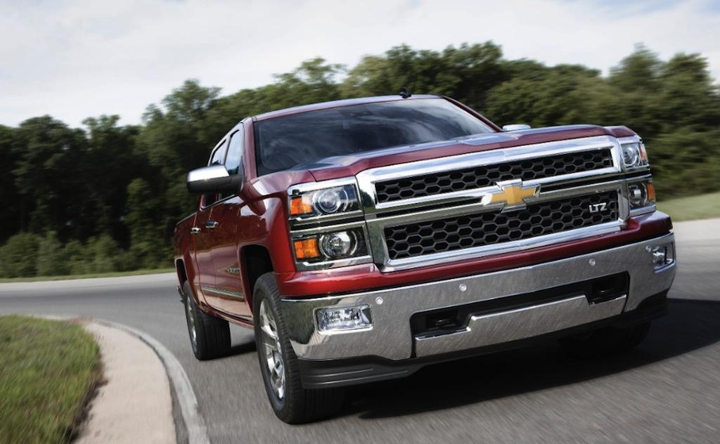 2014 Chevrolet Silverado Front 3/4 View