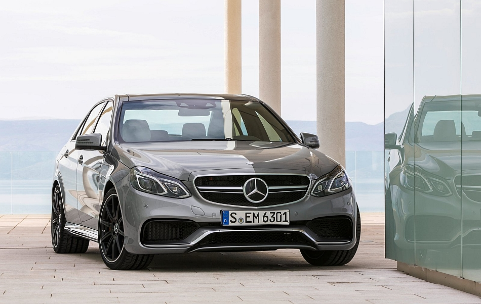 2013 Mercedes-Benz E63 AMG Sedan Front Profile