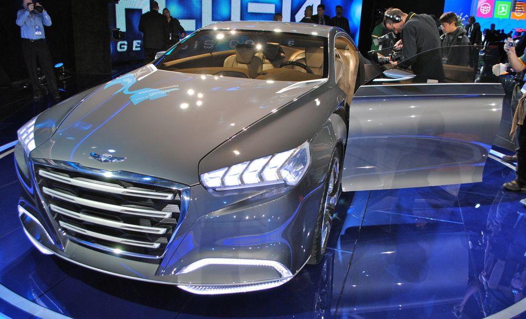 2013 Detroit: Hyundai HCD-14 Genesis Concept Front Door Open