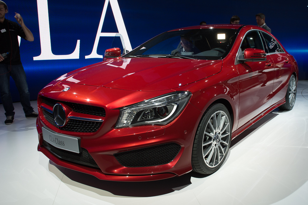 2013 detroit 2014 mercedes benz cla class front 3 4 red for Red mercedes benz cla
