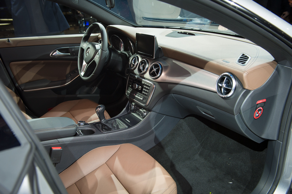 2013 Detroit: 2014 Mercedes-Benz CLA Class Interior
