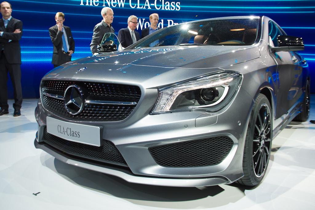 2013 detroit 2014 mercedes benz cla class front angle for Mercedes benz cla 2013
