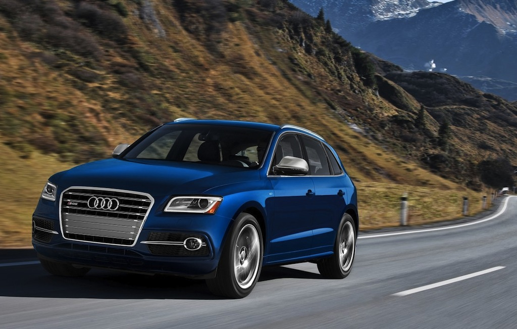2014 Audi SQ5 Front 7/8 Action Angle