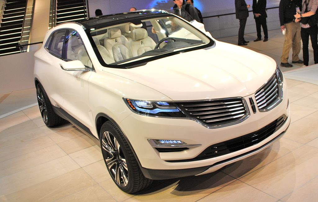 2013 Detroit: Lincoln MKC Concept Top View
