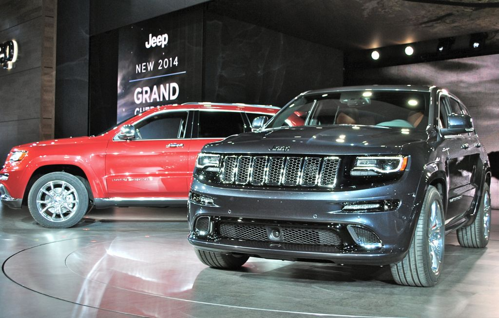 2014 Jeep Grand Cherokee SRT8 Front 3/4 View