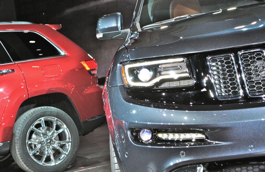 2014 jeep grand cherokee srt8 headlamps egmcartech. Black Bedroom Furniture Sets. Home Design Ideas
