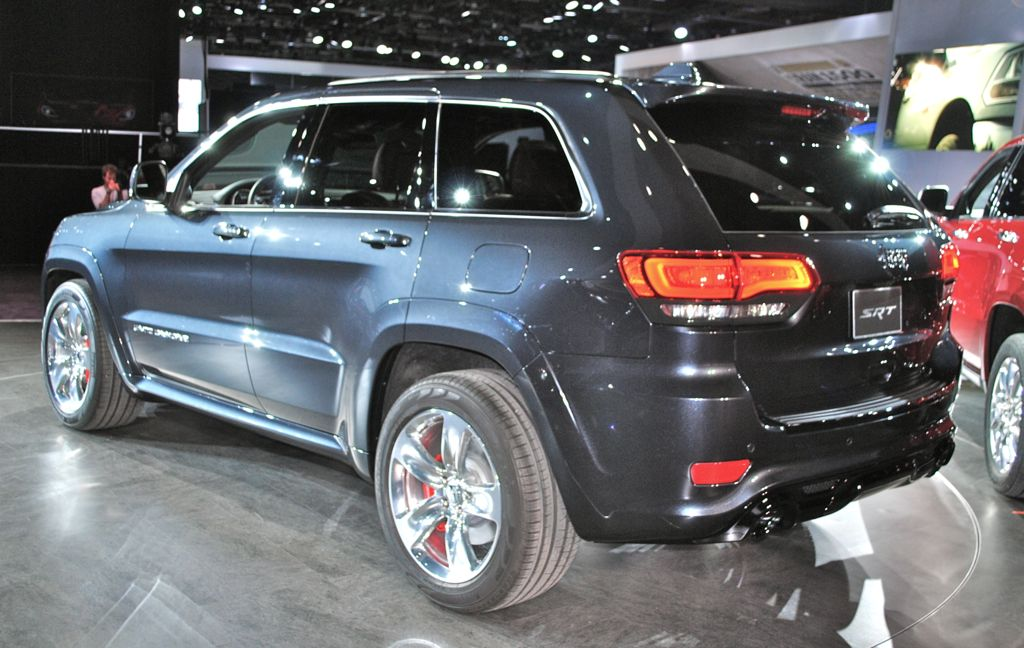 2014 jeep grand cherokee srt8 rear 7 8 view egmcartech. Black Bedroom Furniture Sets. Home Design Ideas