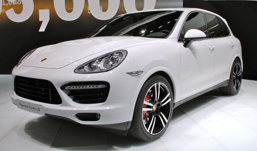 2013 Detroit 2014 Porsche Cayenne Turbo S Gets 550 Hp Price Starts