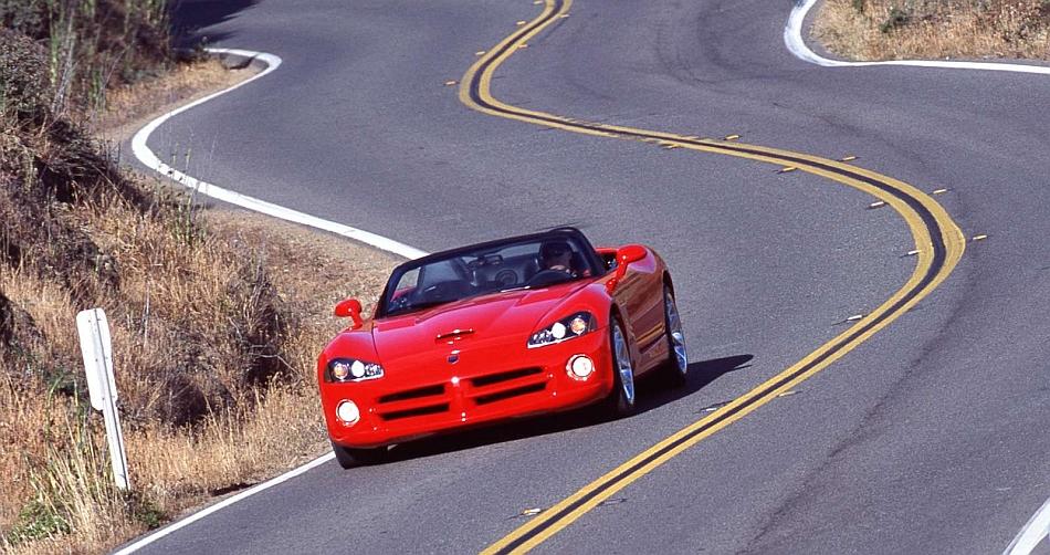 2003 Dodge Viper SRT-10 Corner Cruising - egmCarTech