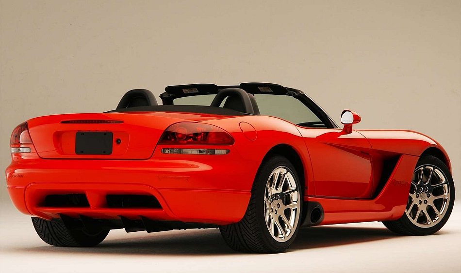 2003 Dodge Viper SRT-10 Rear 3-4 Right Studio Shot - egmCarTech