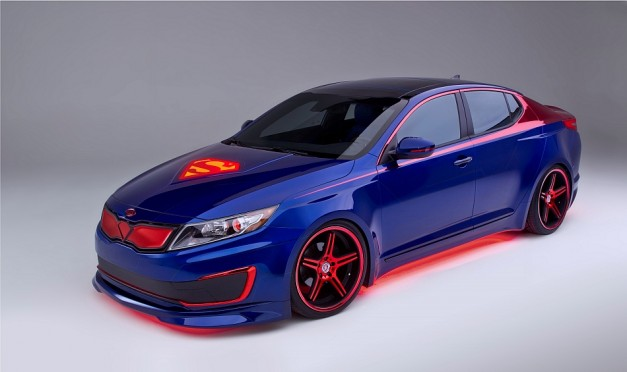 Chicago 2013: Kia unveils Superman-inspired Optima Hybrid in Chicago to raise awareness for famine in Africa