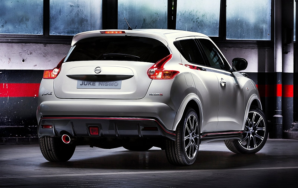 2013 Nissan Juke Nismo Rear 3-4 Right Studio Shot
